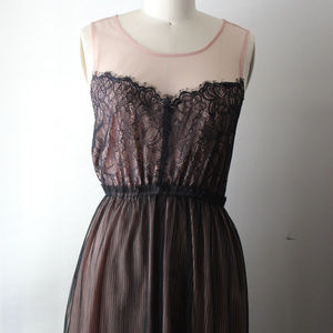 Forever 21 Pink and Black Lace Dress Size Medium